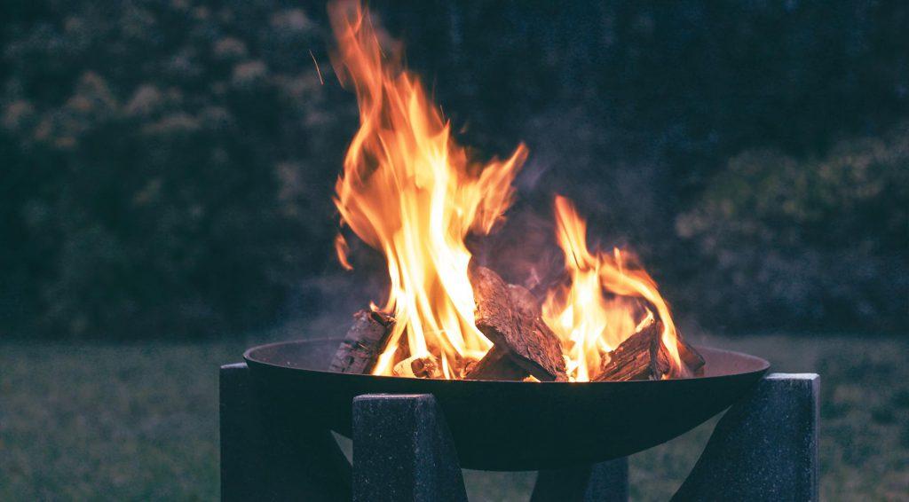 kerti tűzrakó